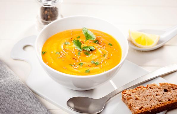 Soupe-lentilles-corail-coriandre